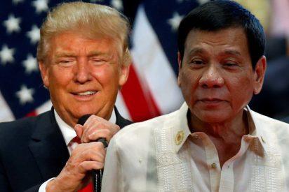 [VIDEO] Duterte canta en una cena de gala de la ASEAN 'por orden de Trump'