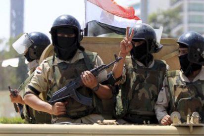 Los militares egipcios lanzan una caza a muerte contra los asesinos de los 305 sufíes de la mezquita del Sinaí