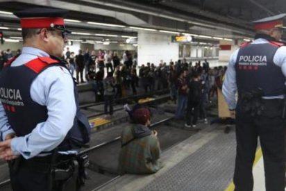 Gracias al 'procés': policías y guardias civiles cobrarán como los Mossos en 3 años
