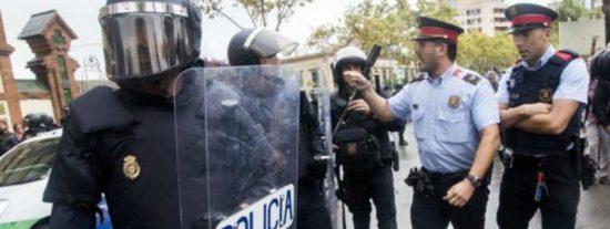 Mossos de paisano alertaron el 1-O a los militantes independentistas de los movimientos de Policía y Guardia Civil