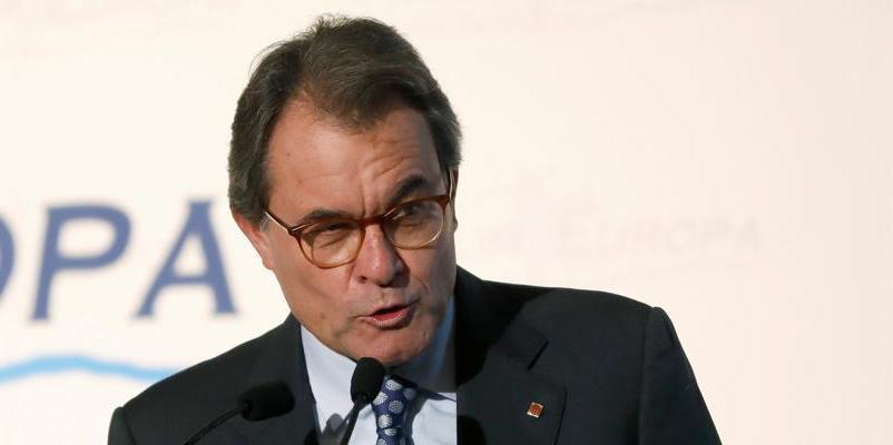 Artur Mas entrega la millonaria fianza de 5,2 millones sin despeinarse el flequillo