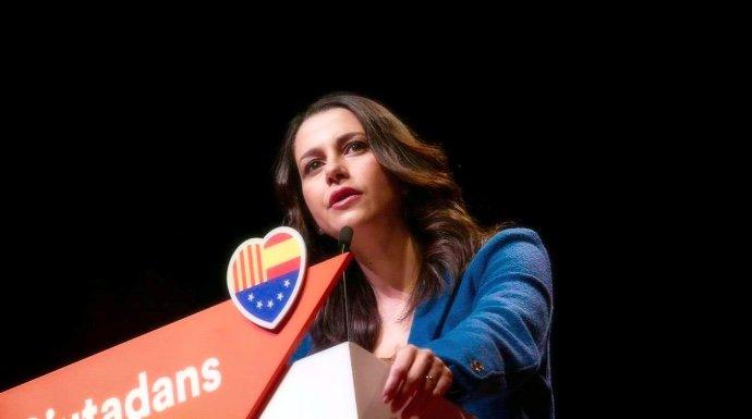 La impactante promesa de Arrimadas que deja al independentismo echando las muelas