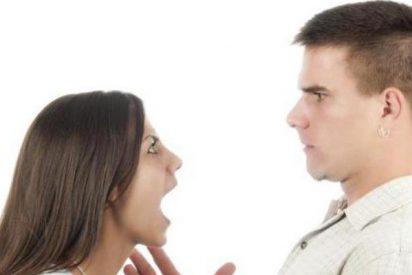 La feroz cabreo de una mujer 'corneada' por su marido obliga a desviar de emergencia un avión