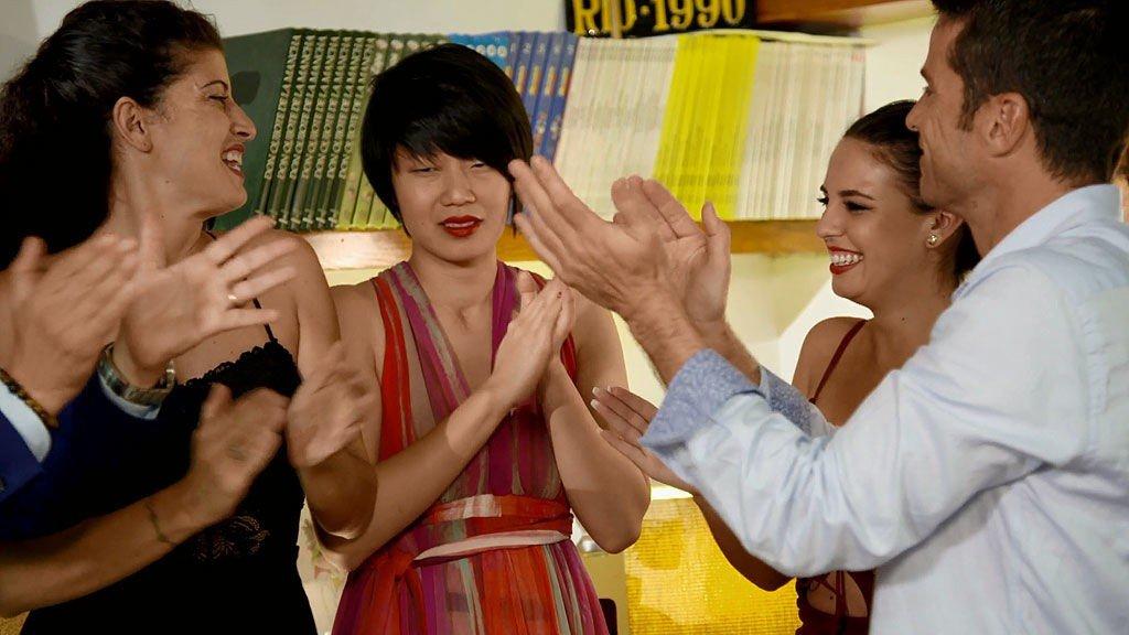 'Ven a cenar conmigo': Lin celebra su cumpleaños por todo lo alto con los 3.000€ del premio en el bolsillo