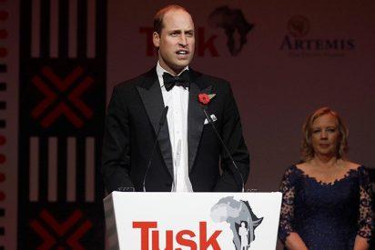"""El Príncipe Guillermo dice que demasiada gente en el planeta """"supone un gran riesgo"""""""