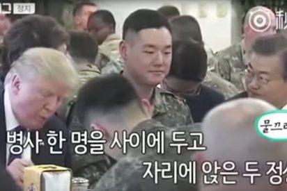 [VIDEO] La incómoda cena de un soldado surcoreano con Trump