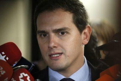 La firmeza de Ciudadanos en Cataluña dispara al partido de Albert Rivera que alcanza al PSOE
