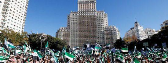 Miles de extremeños piden en Madrid un tren 'decente' para Extremadura