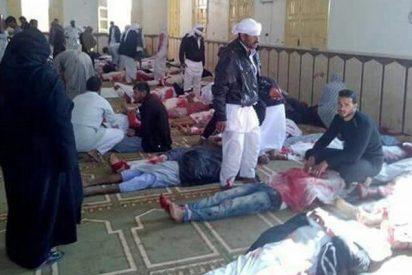 Los terroristas islámicos asesinan a un centenar de fieles musulmanes en una mezquita en el Sinaí