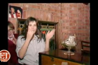 Demi Moore besando borracha a un chico de 15 años con pasión