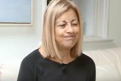 Con esta cara se pitorrea de los españoles la anciana 'indepe' que fue expulsada del avión
