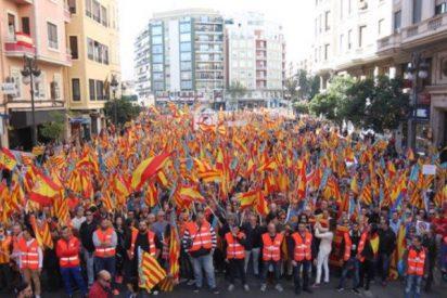 Miles de personas se manifiestan en Valencia contra los 'países catalanes'