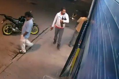 [VIDEO] Esto es lo que pasa cuando no les vendes cerveza a los borrachos de turno