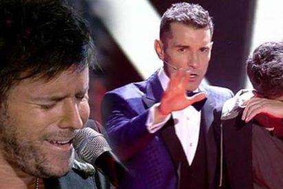 Pablo López rompe a llorar tras presentar en 'Camino, fuego y libertad' en La Voz
