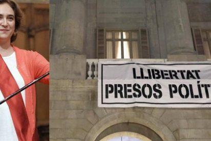 """Colau convierte el Ayuntamiento de Barcelona en una 'casa okupa' y abandona del todo su condición de """"emperadora de la ambigüedad"""""""