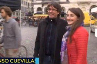 El dicharachero y lenguaraz abogado de Carles Puigdemont se cae con todo el equipo en pleno directo