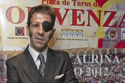 """Una piara de tuiteros cobardes atacan a Juan José Padilla y lo más 'bonito' que le llaman es """"asesino"""""""