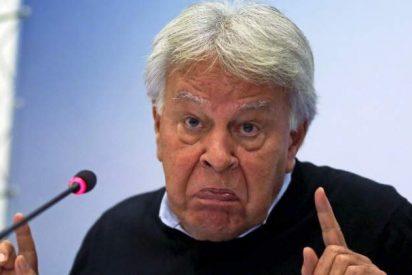 El descomunal destrozo que Felipe González le hace al cobarde Puigdemont en las páginas de El País