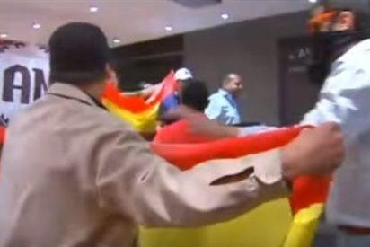 Los cuatro ultras de Falange condenados por asaltar Blanquerna en 2013 todavía no entrarán en prisión