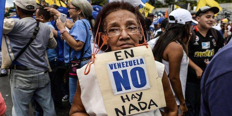 El Infierno Chavista: Un venezolano gana en un día el equivalente a 6 cucharadas de azúcar