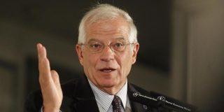 """El ex ministro Borrell sacude un 'sopapo' con la mano abierta a Forcadell y su DUI """"simbólico"""""""
