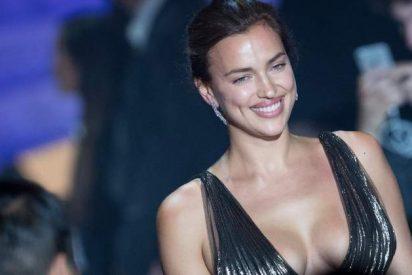 Irina Shayk se saca el carnet de conducir en pantuflas de 1.000 euros