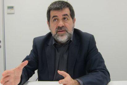 Pillan al independentista Jordi Sánchez sacando de 'matute' cartas entre la ropa sucia de la cárcel