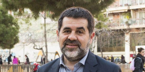 Cachondeo e indignación con la última barrabasada de Jordi Sánchez, expedientado por camuflar cartas entre sus enseres personales