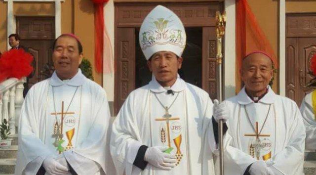 El gobierno chino reconoce a otro obispo fiel a Roma