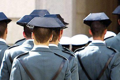 El estacazo de la Guardia Civil a podemitas y 'cuperos' que se mofan del fallecimiento de Maza