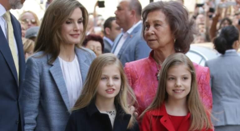 La Infanta Leonor dice: 'mamá no me deja ver a la abuela'
