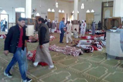 Al menos 270 muertos en un atentado contra una mezquita en Egipto