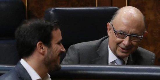 """Montoro ridiculiza a Garzón en el Congreso : """"¡Vuelva usted a la facultad!"""""""