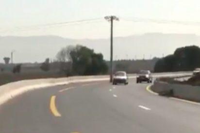 ¡Insólito! Esta carretera de Argelia posee un gran obstáculo en mitad de la vía