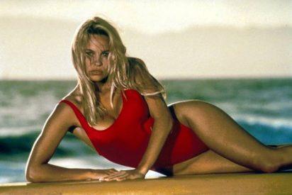 Pamela Anderson mea fuera del tiesto en Cataluña insultando gravemente a Rajoy