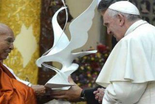 """Francisco, al Consejo Supremo de los monjes budistas: """"Sabed que la Iglesia católica es un socio disponible"""""""