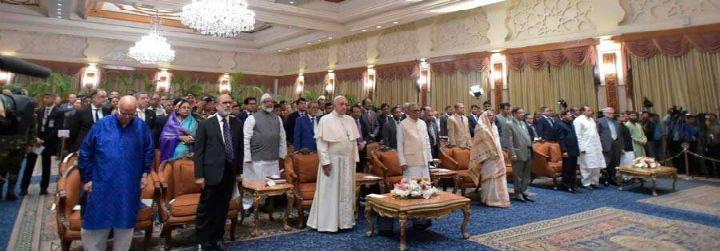 """El Papa pide a la comunidad internacional """"inmediata asistencia material al Bangladesh"""" para acoger a los rohingya"""