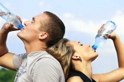 ¿Sabes cuánta agua debes beber al día?
