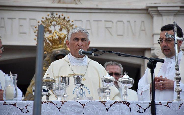 """Cristianos de Cádiz, a Zornoza: """"Nos parece un escándalo que nuestra Iglesia no respete los derechos laborales"""""""