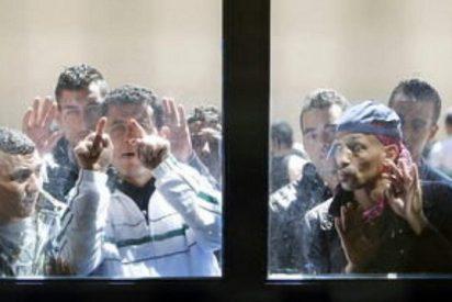 Rechazo al internamiento de 464 inmigrantes en una cárcel de Málaga