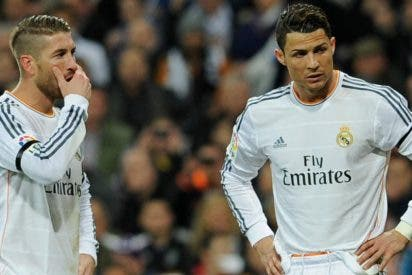 Cristiano Ronaldo solo en el vestuario frente al 'poderoso' grupo de Sergio Ramos