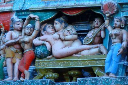 ¿Por qué en la India, el país del Kamasutra y los templos eróticos, se volvió tabú el sexo?