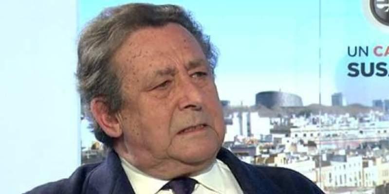 """Alfonso Ussía aplasta al fiscal belga con una magistral impertinencia: """"¿Cuál es el tamaño de su pirulilla?"""""""