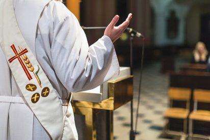 Francisco pide potenciar el diaconado permanente