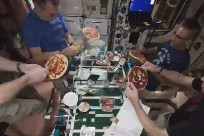[VIDEO] Así cocinan pizza en la Estación Espacial Internacional