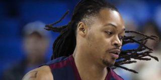 [VIDEO] Este jugador de baloncesto sufre un infarto en pleno partido