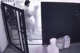 [VIDEO] Así fue el aterrador secuestro de un niño a la puerta de su casa