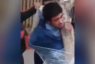 Así castigan los vecinos a los ladrones en Chile