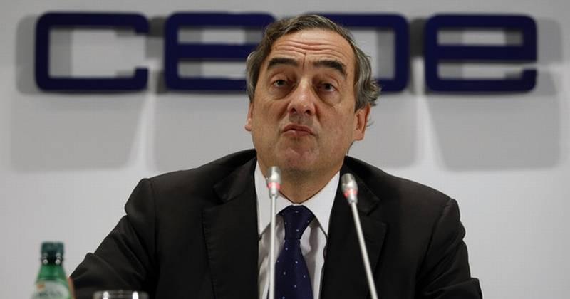 La patronal CEOE plantea un alza salarial de casi el 3% a los sindicatos