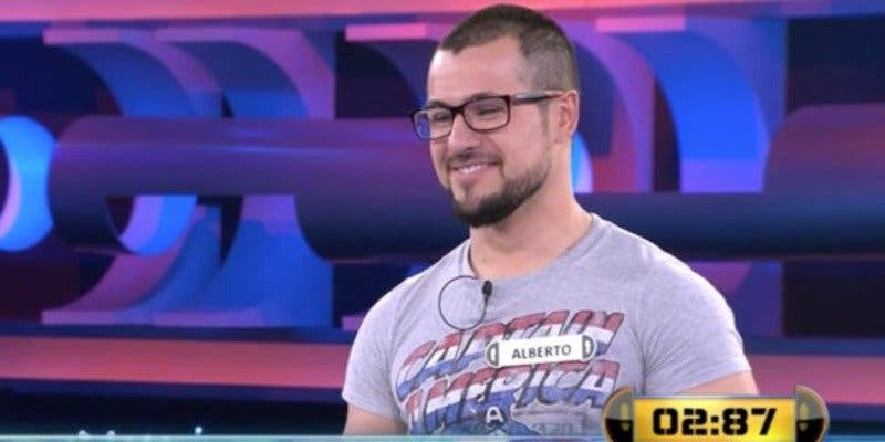 El error más patoso de ¡Ahora caigo!: Alberto falla la respuesta que tenía en la camiseta